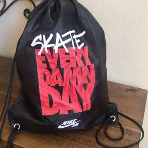 Nike Skate cinch bag